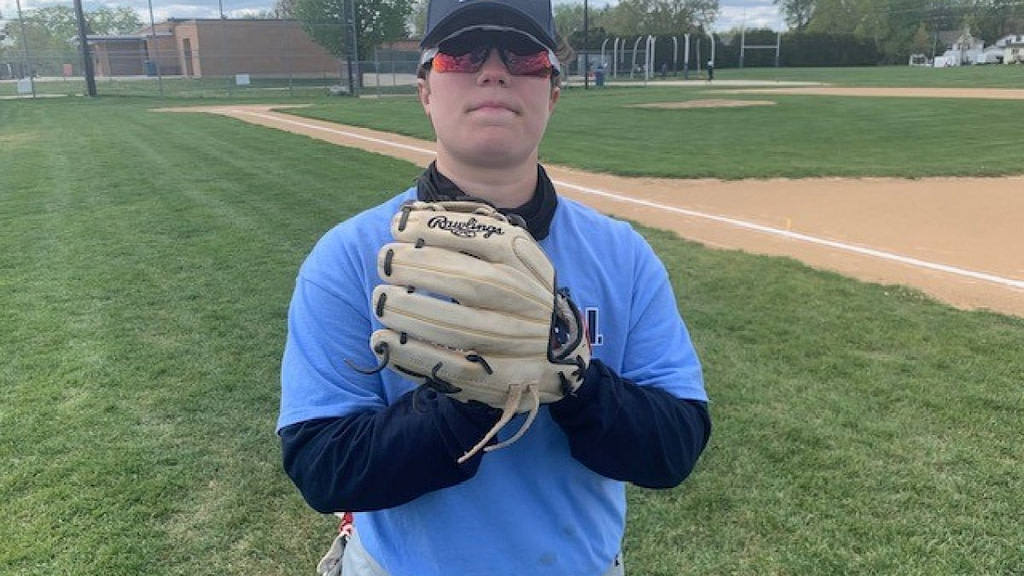 Downers Grove South Baseball Player makes history while remembering her late father - NBC Chicago
