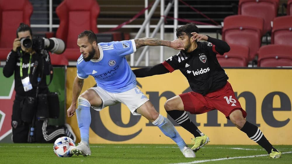 Two late goals save the NYCFC