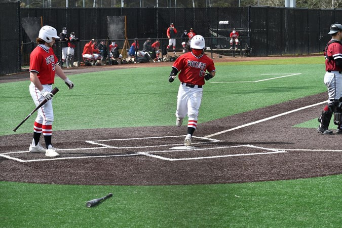 Pacific Baseball expands lead in NWC location