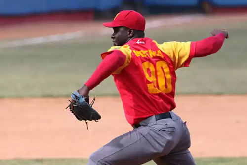 Noervys Entenza celebrates its 100th triumph in Cuban baseball campaigns