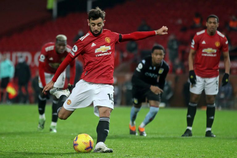 England: Manchester United join Liverpool at the top of the Premier League