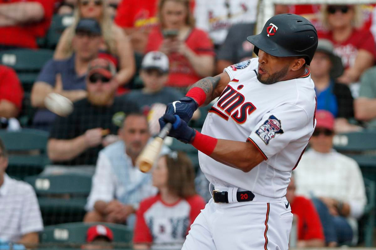 Indians welcome OF Rosario after he beat them with twins
