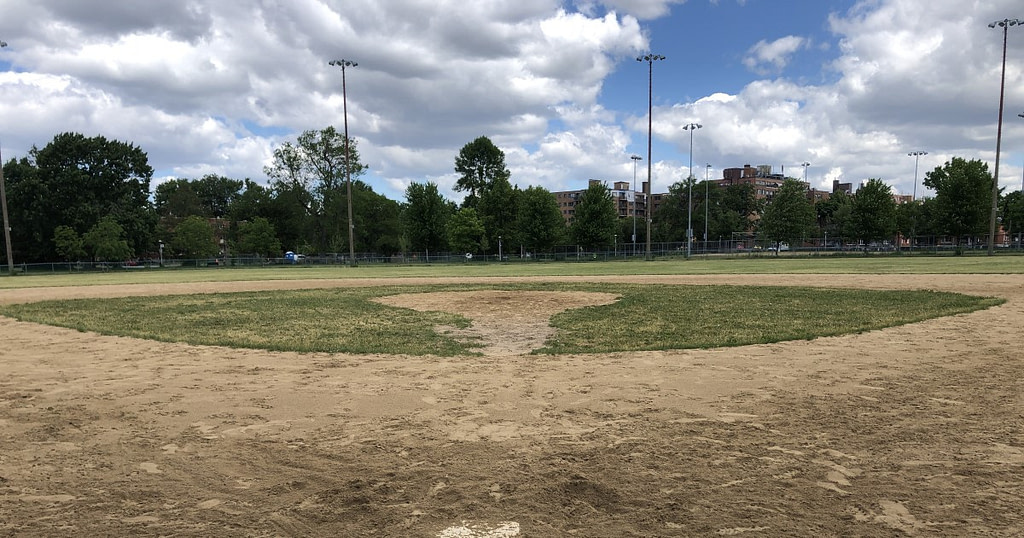 Baseball: not a priority  Côte-des-Neiges and NDG