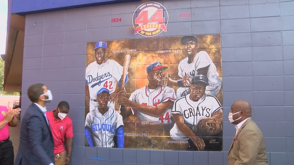 The mural was unveiled at Smith Wills in honor of baseball legend Hank Aaron