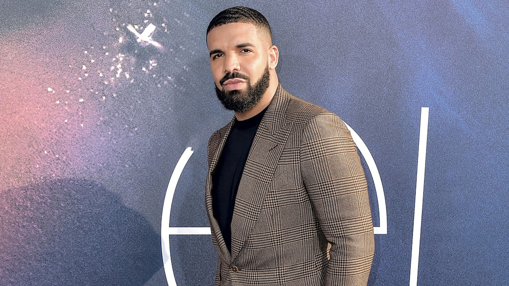 Drake offers a baseball stadium for a date