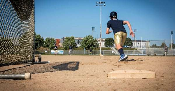 A first step towards a synthetic baseball field in Trois-Rivières