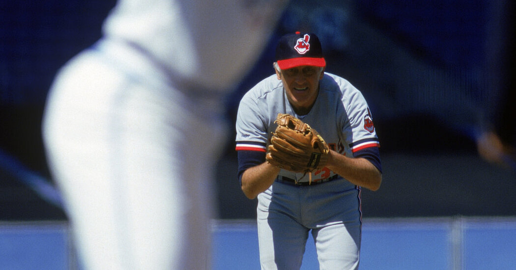 With the death of Phil Niekro, baseball has lost knuckleball and its champion