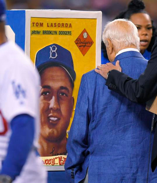 Column: Baseball better games due to Lasorda |  Pro Sports