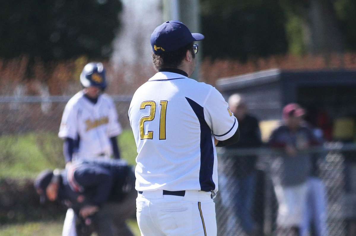 Bad Axel's varsity baseball team earned a sweep of visiting Deckerville on Friday afternoon, winning 17-1 and 18-3.