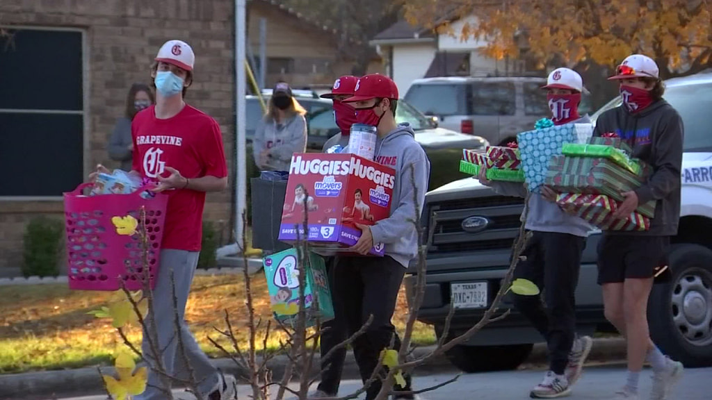 Grapevine Baseball Team Helps Family Lost Mother of COVID-19 - NBC 5 Dallas-Fort Worth