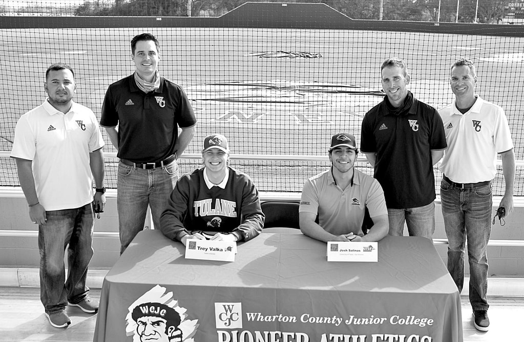 WCJC baseball players sign for the D1 school